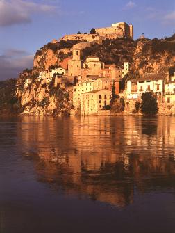 Castillo Miravet en Cataluña