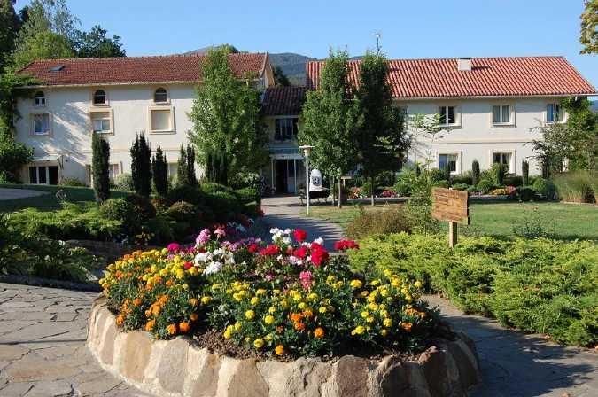 Vista exterior Hotel Amalurra