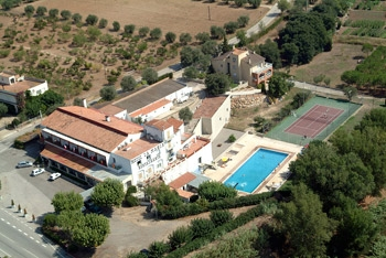 Hotel La MasÍa en PONT DE MOLINS (Girona)