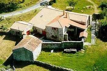 Caserio Da CastiÑeira en Montederramo (Orense)