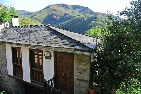 Casa ValÍn en Folgoso do Courel (Lugo)