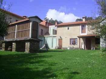 Casa Pousadoira in Miño (A Coruña)