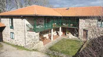 Rectoral De Candás em Rairiz de Veiga (Ourense)