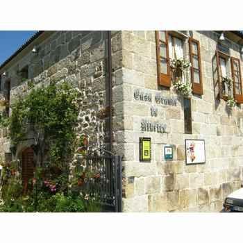 Casa Grande Do Ribeiro en Cenlle (Ourense)