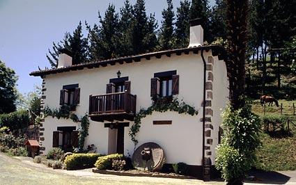 Hoteles apartamentos y casas rurales en guip zcoa perfect place spain - Casa rural arginenea ...