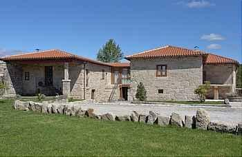 Casa Rectoral Santa Baia em Vilamarín (Ourense)