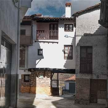 El Pasadizo em Casas del Castañar (Cáceres)